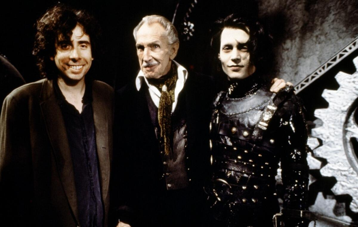 Tim Burton, Vincent Price and Johnny Depp on the set of Edward Scissorhands. http://t.co/1vkAVyRmAR