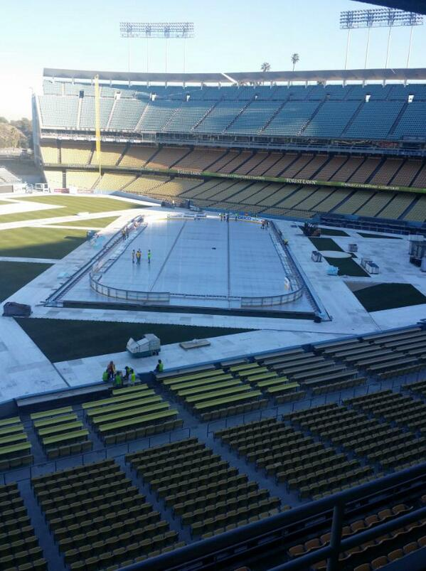 . @dodgers stadium prepping @lakings vs @anaheimducks for 50k #icehockey fanatics! let's hope it's not too warm! http://t.co/hHR5Eu49fG