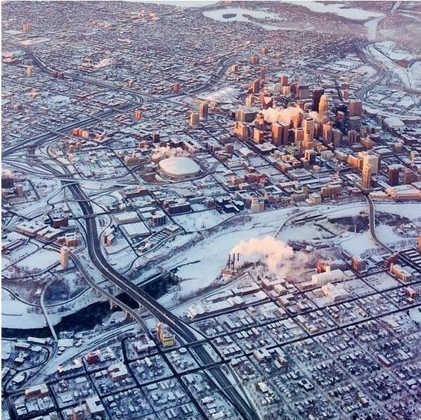 A great pic of #Minneapolis in the winter. Via: @mspclothing http://t.co/ooAmirAQ5h