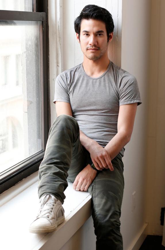 En exclusiva: mañana podrás leer una entrevista con Joseph Altuzarra  El nuevo príncipe de la industria, en S Moda http://t.co/W8OeZyql1H