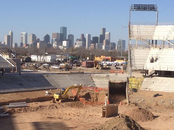 Downtown Houston perfectly framed as construction continues on the Houston Football Stadium. #GoCoogs http://t.co/Af25xpXVIU