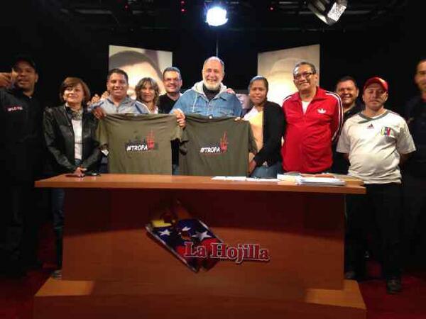 Mk Radio 104.9 FM (@MK104_9FM): El equipo de #LaHojilla agradece a la #TROPA y los invita a que nos visiten  como los compañeros de #TROPACCs http://t.co/lkLBXmS0E9