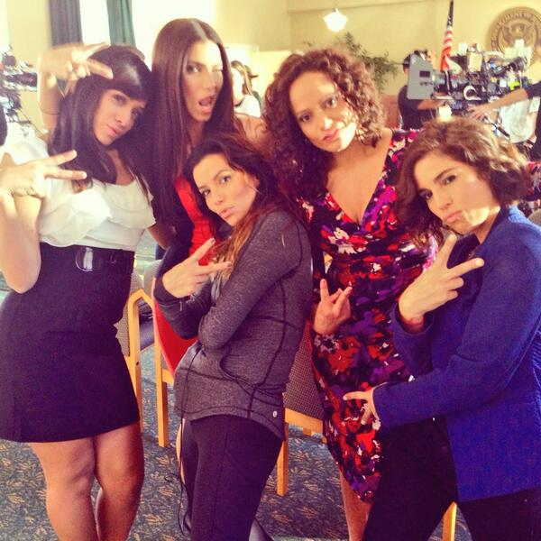 #DeviousArmy Gansta!!! We are ready for WAR! #Season2 @evalongoria @roselyn_sanchez @itisijudyreyes @therealanaortiz http://t.co/o1b7fp0JCl