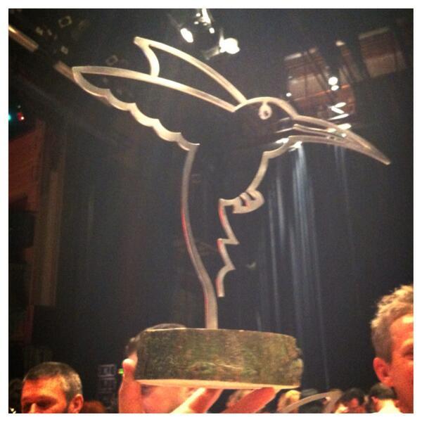 """Zojuist hebben we ook het IJzeren Podiumdier voor """"beste podium"""" gewonnen! Bedankt! #trots #esns14 http://t.co/bIaooTbpRO"""