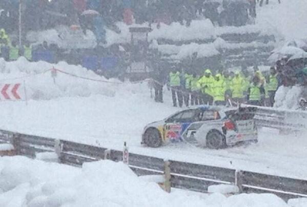 #WRC @SebOgier throught Col de Turini SS12 #montecarlo14 [PHOTO] RT @rallytravel http://t.co/SQvliQgLHM