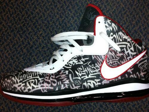 """Nike Lebron 8 """"Graffiti"""" Should've dropped http://t.co/ZVpRzpeToB"""