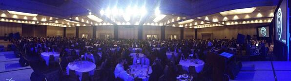 Hey #decau, here's your class photo taken from the stage. http://t.co/0YVJvEQZ0Y