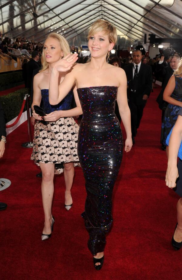 Jennifer Lawrence and her best friend Lauren Sweetser at the #SAGAwards http://t.co/0mqdvu486h