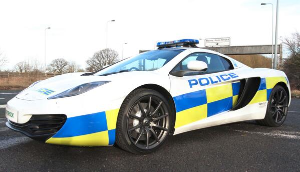 UK police are testing McLaren MP4-12C as a fast-response car. Don't try out-running this! http://t.co/1Dl0I45Ch8 http://t.co/VZihqwISCy