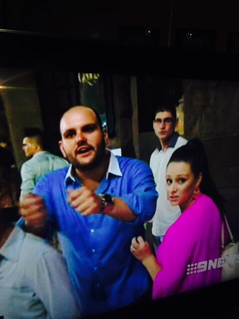 We must identify this man who threatened TV crews during last night's Sydney violence. PLEASE RT -#cowardthug http://t.co/1dSprqV96g