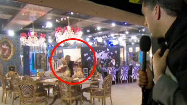 What they didn't show you during the task was the 'crew' member directing the housemates with cue cards... #cbb http://t.co/mCHdoEZiGn
