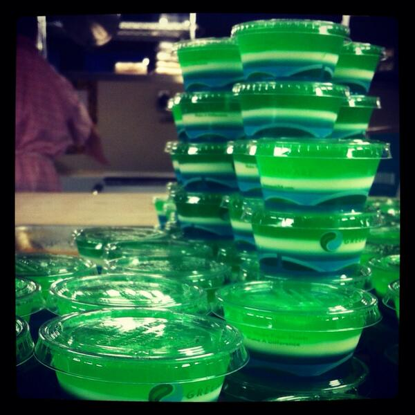 We made more @Seahawks Jello Shots for @TheBravehorse! #GoHawks #12thMan http://t.co/C7j5W4WIUg