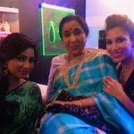 RT @Sophie_Choudry: Shreeeey @shreyaghoshal !! How cool is this pic with the one & only @ashabhosle ! Backstage #GIMA #Legend #Love http://…
