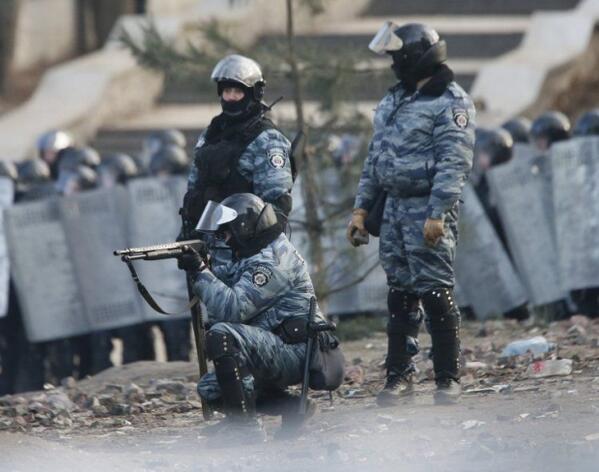 В Києві під час зіткнень активістів та правоохоронців постраждало більше 20 журналістів!