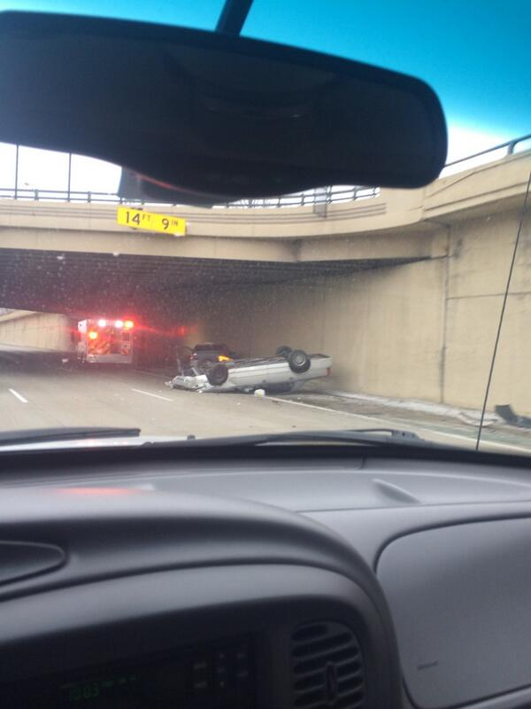 Accident on northbound M10 at 7 Mile #detroit http://t.co/DdNxRDyvsR