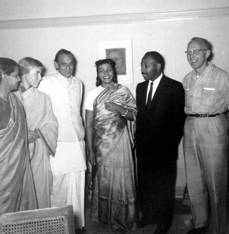 """To other countries I may go as a tourist, but to India I come as a pilgrim."" #MLK & Coretta in New Delhi #MLKDay2014 http://t.co/8AGXTNiVZN"