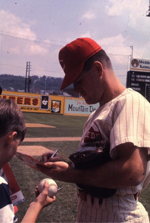Rare color shot of a young Pete Rose at Crosley Field in 1967. Crosley's final year was 1970. #Reds http://t.co/xzkIuo4PET