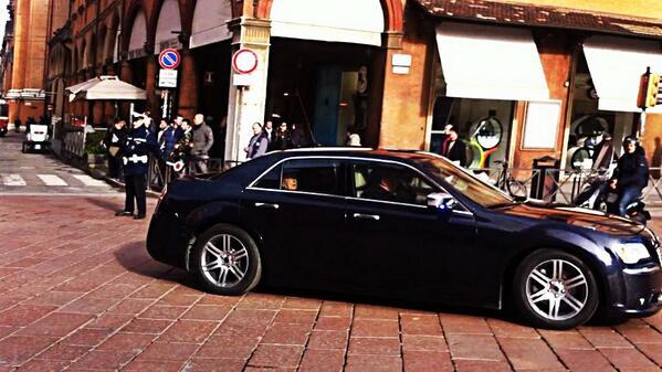 Il Presidente Napolitano a #bologna per un saluto a Abbado http://t.co/qbvFUD6Owp @BolognaWelcome @Twiperbole @Bolobazzalive @BolognaTwit