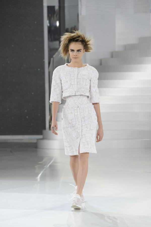 Selection of looks from the Spring-Summer 2014 #HauteCouture #CHANEL show in Paris. More on http://t.co/a5kOLdZ1LJ http://t.co/0MOB0YnDEU