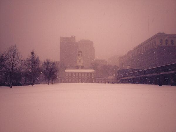 Here's Independence Hall, looking pretty majestic. http://t.co/bZ08r5GIxH