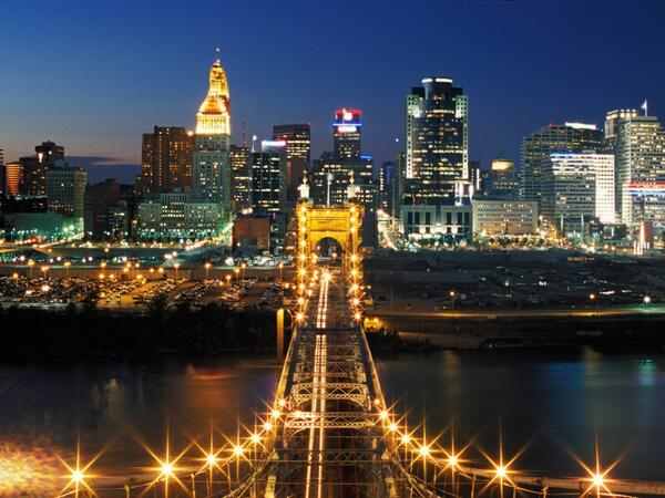 Gotta love this city... #cincinnati http://t.co/WTQAzWtOcg
