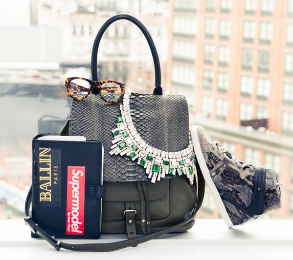 """""""@thecoveteur Because like it or not, fashion month is a'coming. http://t.co/3KbVZAZz1r  (cc: @barbara_bui) http://t.co/ZYIfEyVwLH"""""""