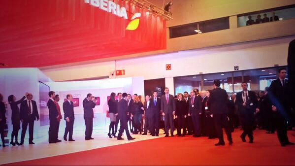 S.A.R. los Príncipes de Asturias y el resto de autoridades comienzan la inauguración de #fitur2014 @jmsoria @Iberia http://t.co/PJJzh5W6M1