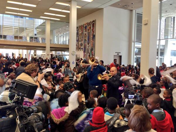 making a LOT of noise in the library. #secondline #turnthepage @NOLALibrary   @tremeprince @donvappie http://t.co/um0FrRgcZs