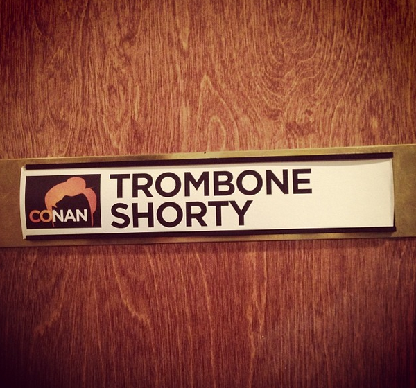 We're performing on 'Conan' tonight check it out!! 11p/10c @TeamCoco @tbsveryfunny http://t.co/a1UrsvyWBl