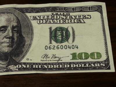Fake $100 bill signed 'Moe Money' used in NC http://t.co/t1Vpw2xB63 #nc #gso #ilm #brunsco http://t.co/E0N7CJH1hk