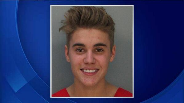 BREAKING: Justin Bieber Mugshot http://t.co/pgSaqpoiEP http://t.co/2tDVWpUDjQ