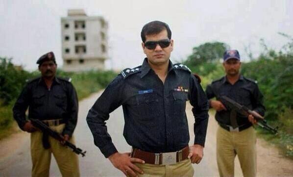 Irfan Bahadur appointed as CID SSP after Shaheed Ch Aslam.Bahadur is son of assasinated Police officer Bahadur Ali http://t.co/6kNVcqFT58