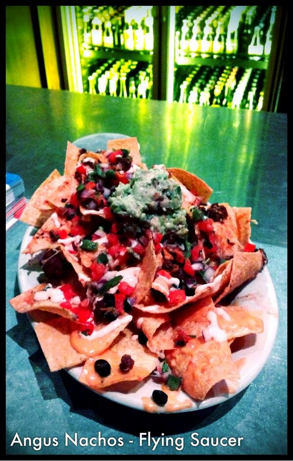 First 5 people to retweet this will receive a FREE Angus Nacho plate from our new menu tonight! #showusyourtweets http://t.co/VdUyGOIGi6