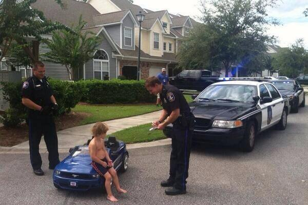 Justin Bieber arrested. Here is how it went down. http://t.co/oVreNY8BqY