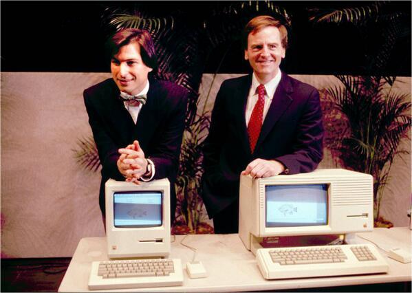 Pedazo foto RT @gizmodoES: Steve Jobs desveló hoy hace 30 años el primer Macintosh: http://t.co/igYFFLhqIK http://t.co/6VSG3TNyFE