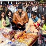 RT @JagbaniOnline: ਜਦੋਂ ਭੱਜੀ ਨੇ ਵੇਚੀ ਚਾਹ http://t.co/bWY7QXVoSv #Punjab  #Chandigarh  @harbhajan_singh