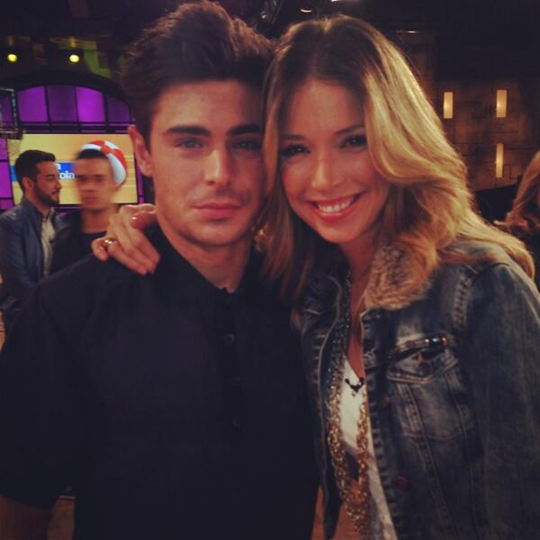 @ZacEfron thank u for your great vibe  today in @UnNuevoDia @Telemundo , #thatakwardmoment http://t.co/8ZoLFHRDzc