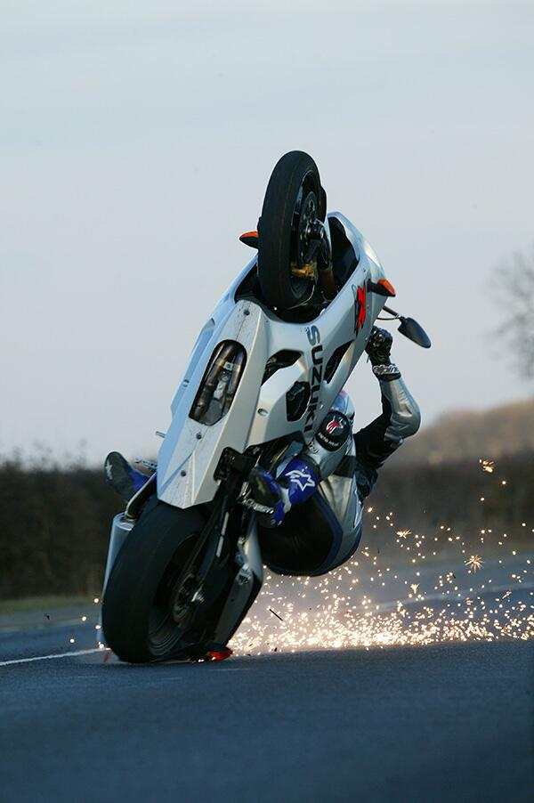 #awesomemotorcycleimages #37 Chris Moss. Don't worry: he saved it.. http://t.co/ynMCS6WmUT
