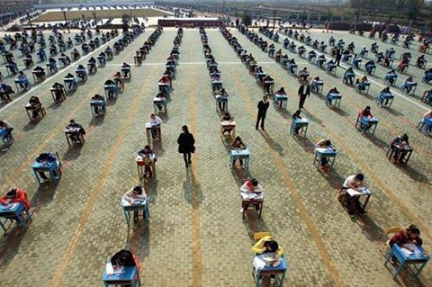 """@BadManSaka: Examination in high school of the Chinese city of Wuhan. http://t.co/3pOLEKfOS4"""