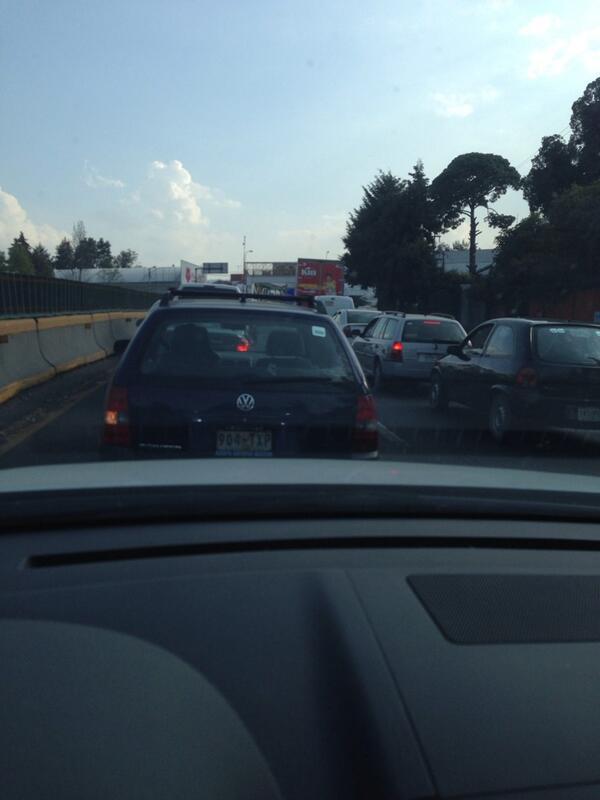 Detenida la salida a Cuernavaca. Km 19 http://t.co/puSFaJZ4Qs