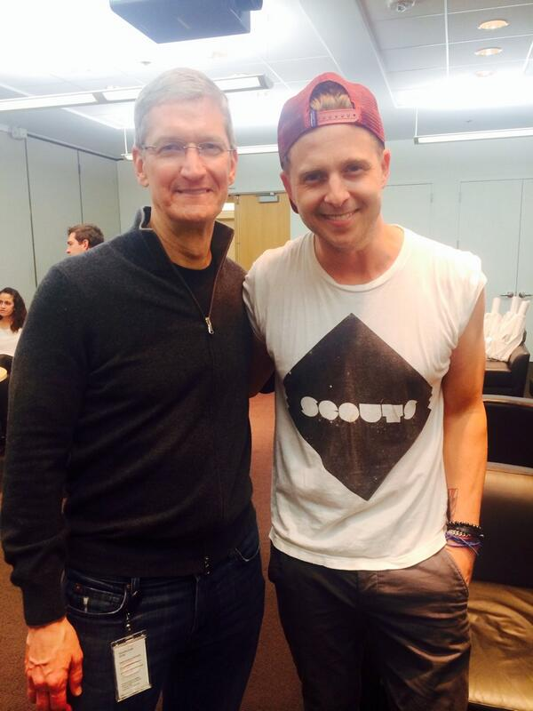 OneRepublic + @tim_cook + Apple celebrating the 30th Anniv. of the Mac, discussing Apple Cider.  #TheFuture http://t.co/lhPzi7zFqa