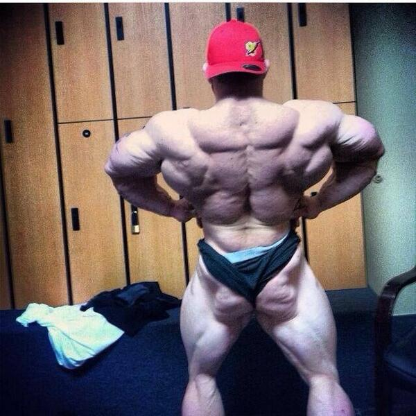 """@MusclePhone: Preview Pic: back lat spread @Flex_Lewis. 5 weeks out @ArnoldSports 212 #bodybuding  http://t.co/yrxEO8sFyb"" Time to do this!"