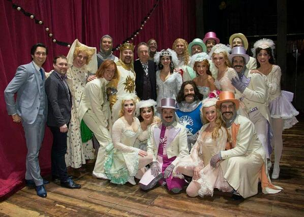 The cast of Spamalot hangs out with @EricIdle after the show! #SIP http://t.co/zVYwPB5k7T