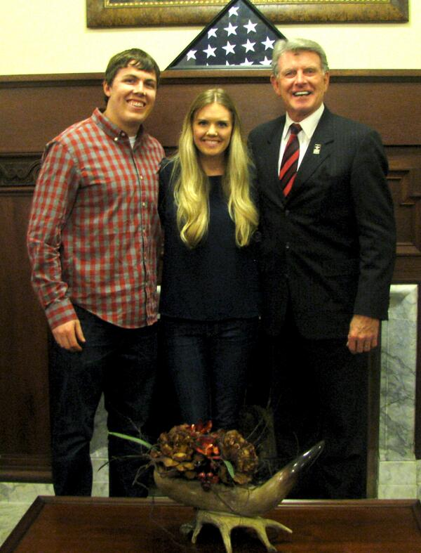 It was great to have legendary Boise State quarterback Kellen Moore and his wife Julie in the office today! http://t.co/5zq6IlSfug