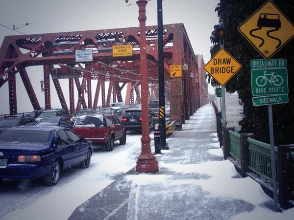Smooth sailing on the Broadway Bridge right now.... But only if you're on a bike ;-) http://t.co/FWCMr501FA