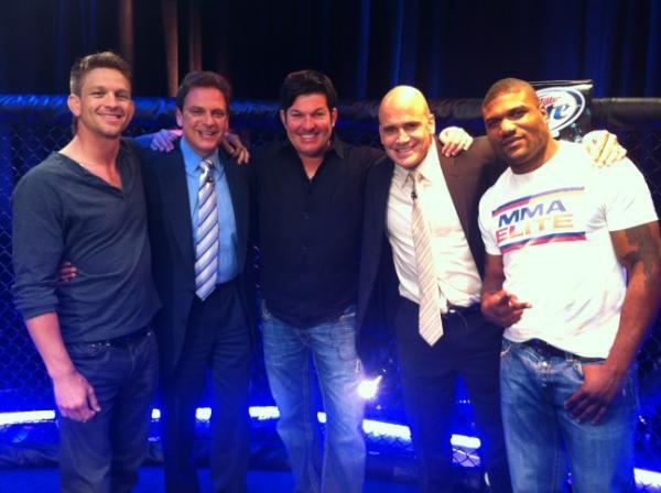 #THEMFC #ThrowbackThursday #MMA @BasRuttenMMA @KennyRiceSports @Rampage4real @MarkPavelich @Mike_Pyle @AXSTVFights http://t.co/HQSSm63fGY