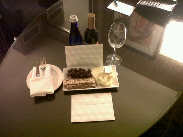 What a special touch from @KimptonInDC #Palomar #HSM @houstonstyle. @washingtondc #DC http://t.co/vzB6LJkXRi