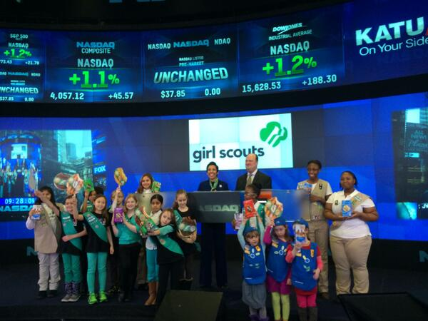 Girl Scouts of the USA Ring the #NASDAQ #OpeningBell! #dreamBIG @girlscouts http://t.co/l4HNTWNG9i
