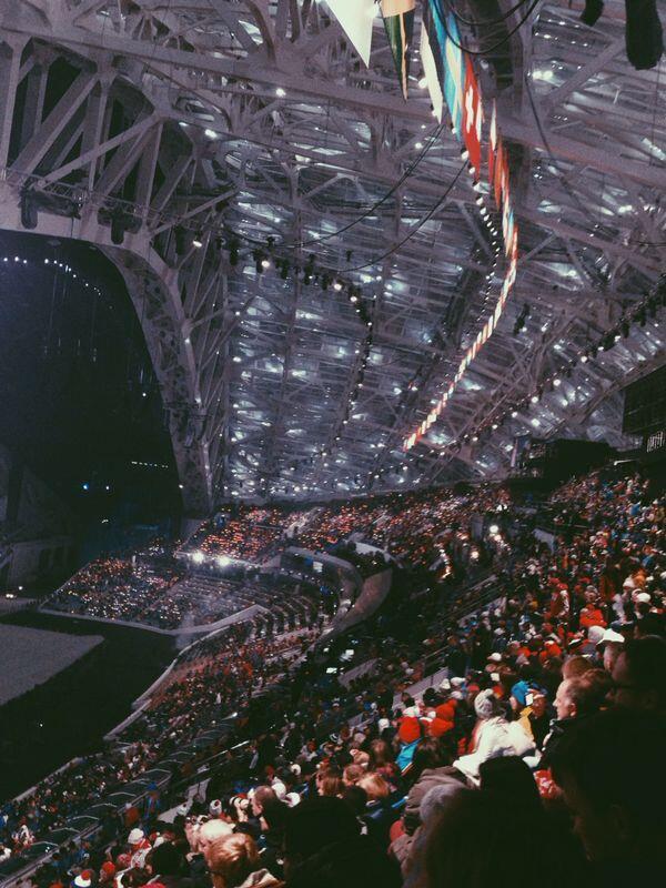 """Церемония открытия Олимпиады началась в Сочи на стадионе """"Фишт"""" (ФОТО) http://t.co/Q2SG6YXMVy"""