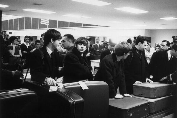 Even The Beatles and Brian Epstein had to wait for their luggage at JFK: http://t.co/IqeM82lJIX